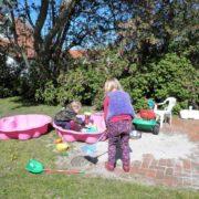 Boerkerij – kinderspeelplaats op het erf – Hollum Ameland